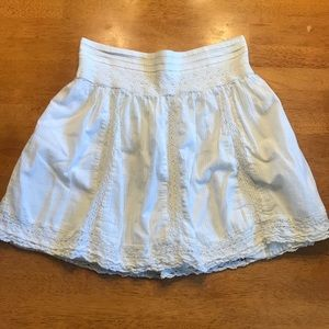 aeo summery white skirt